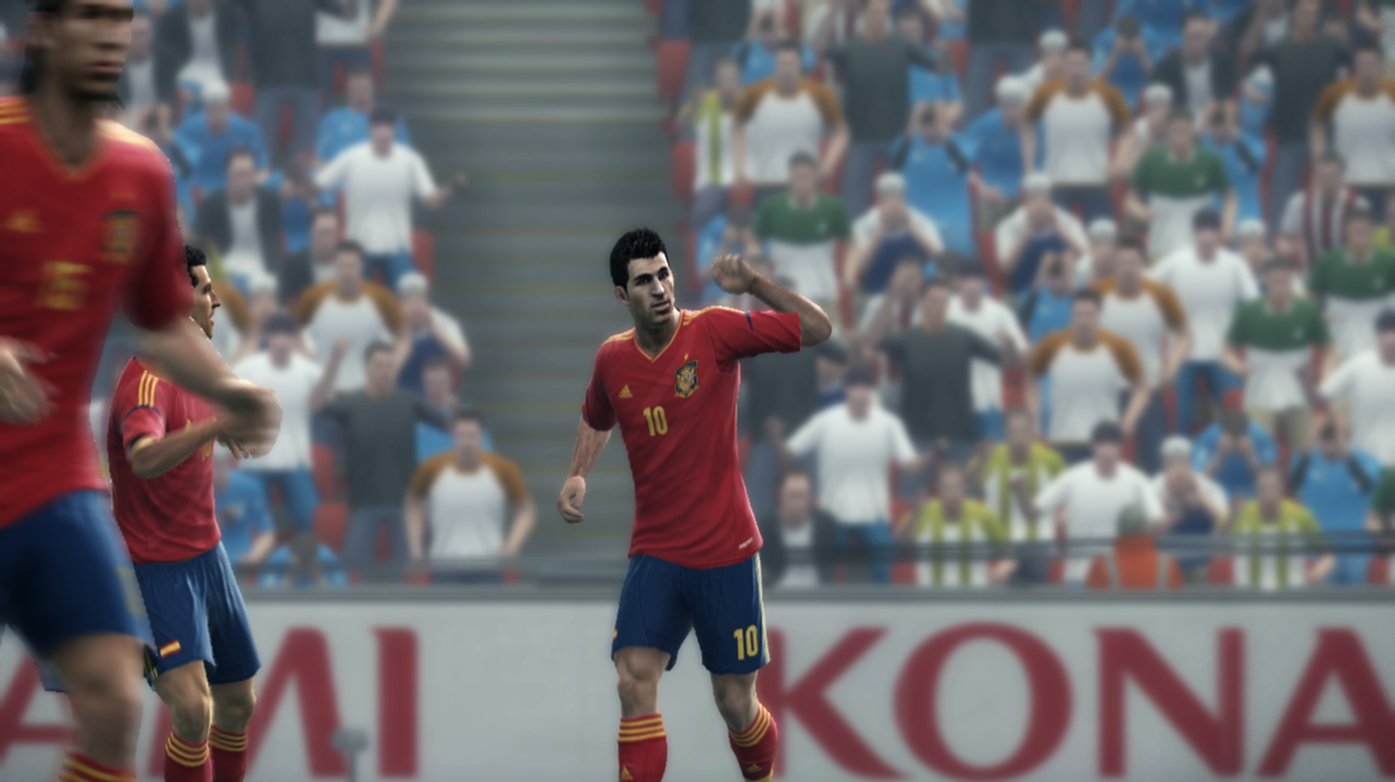Fabregas as False No. 9 in PES 2012