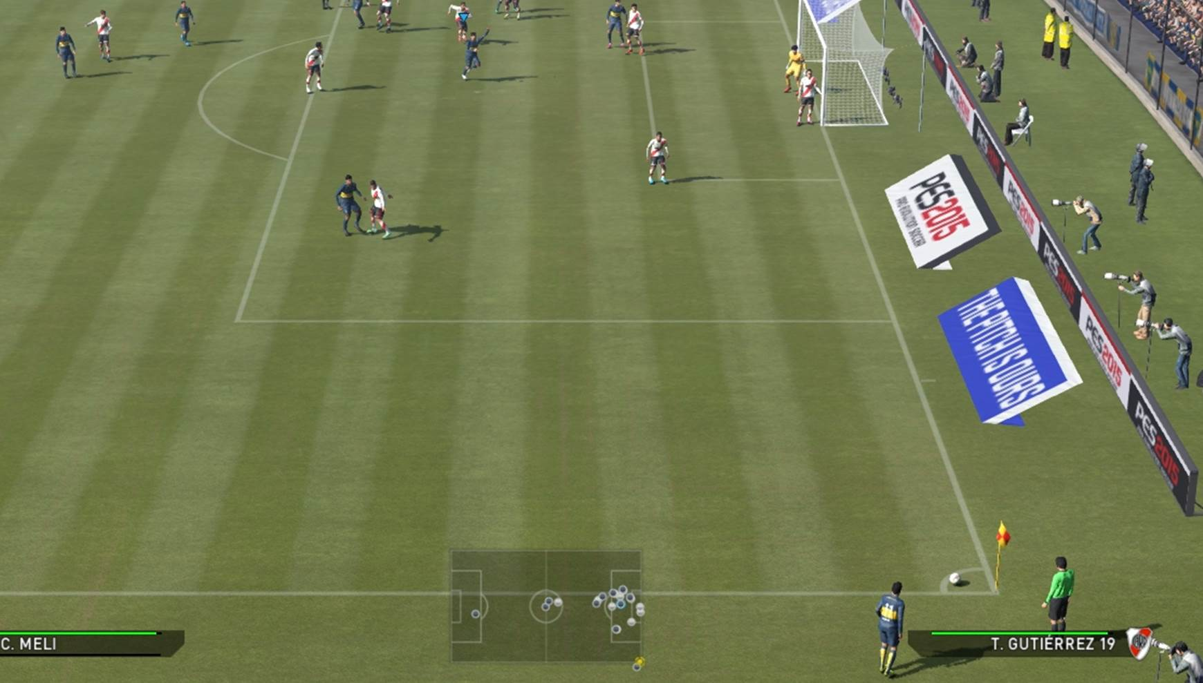 Unmarked player running towards the center of the box
