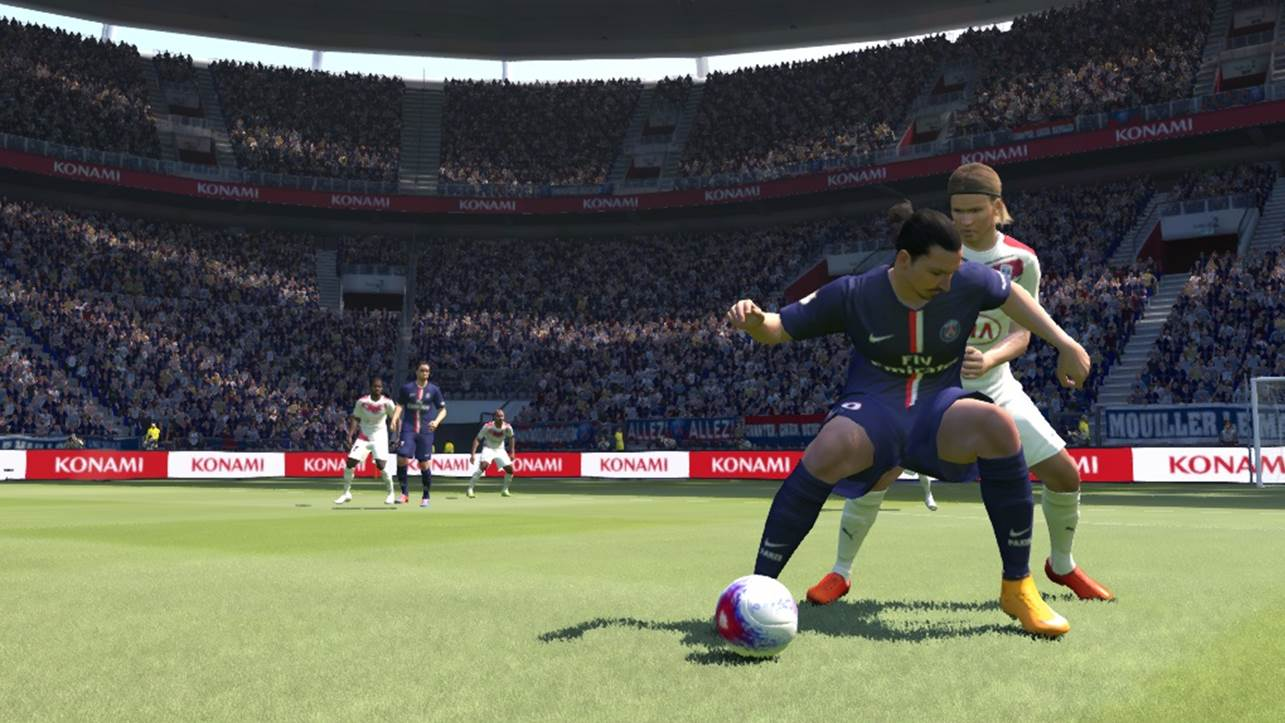 pes shielding the ball