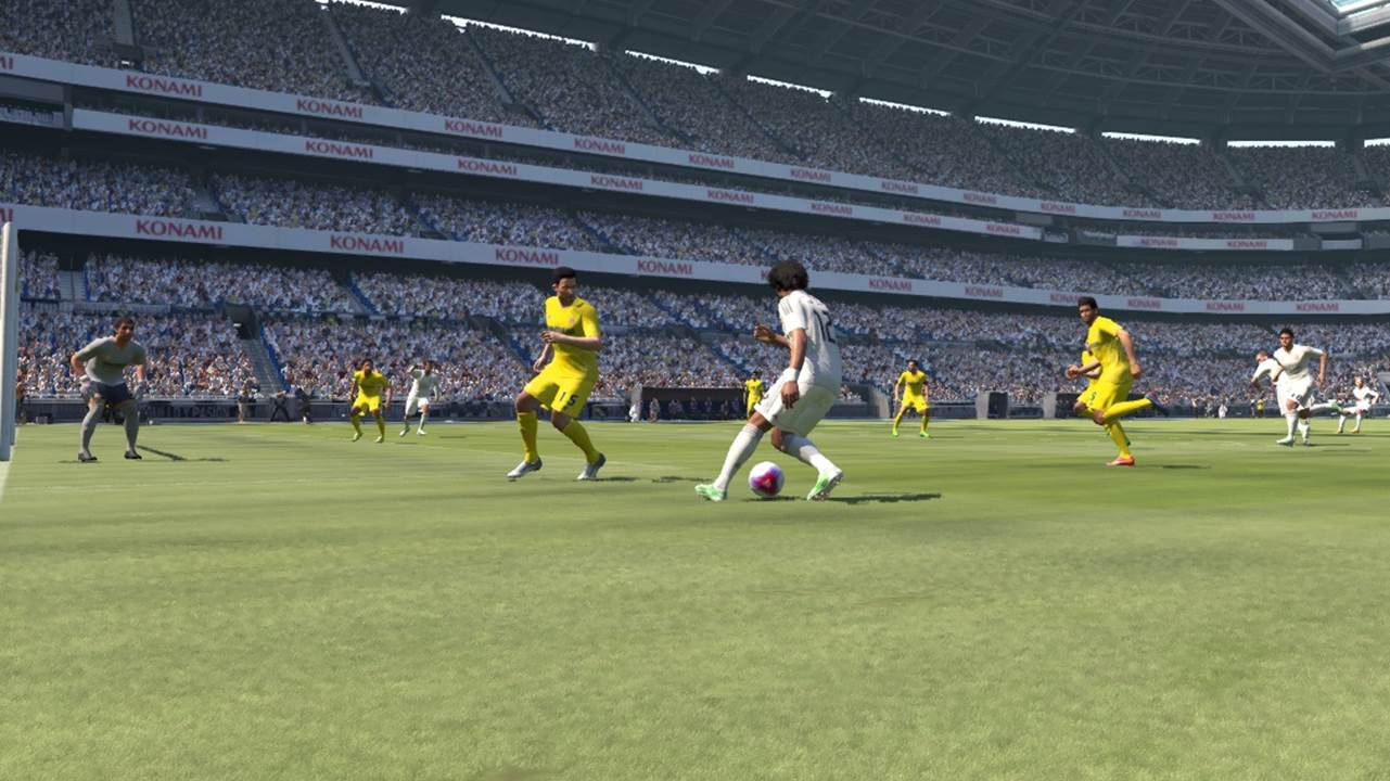 pes winger in front of striker